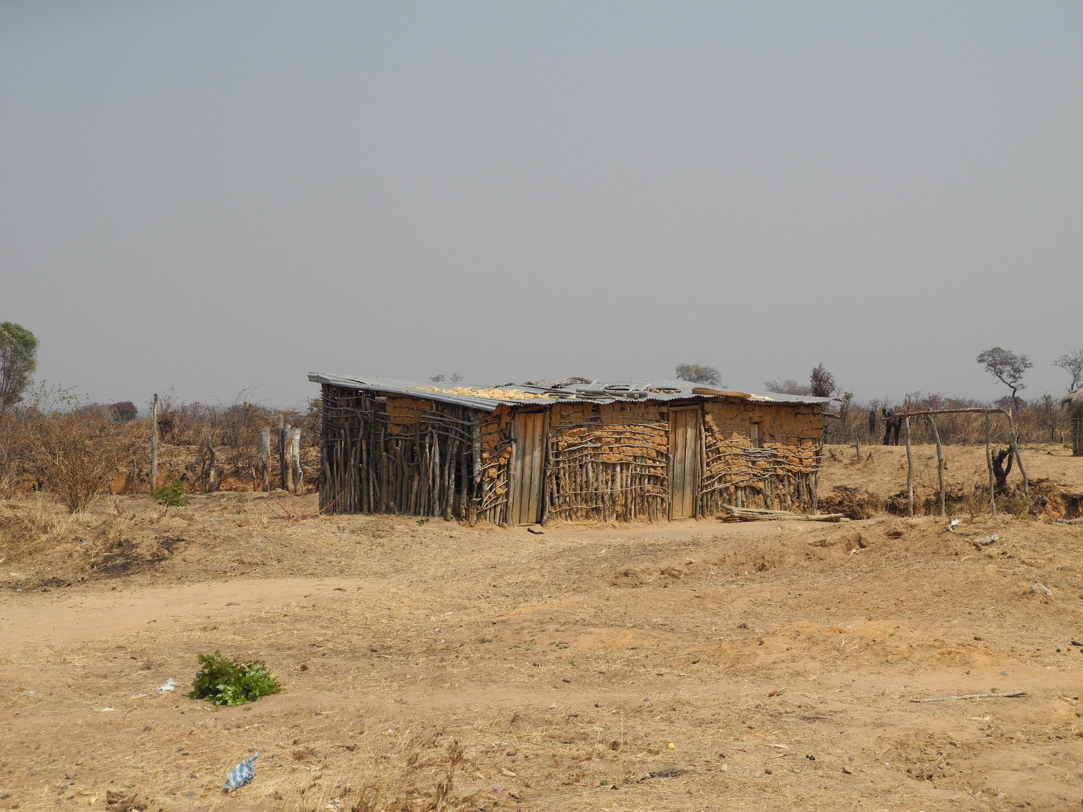 Plano director municipal de chitembo angola DSCN4077