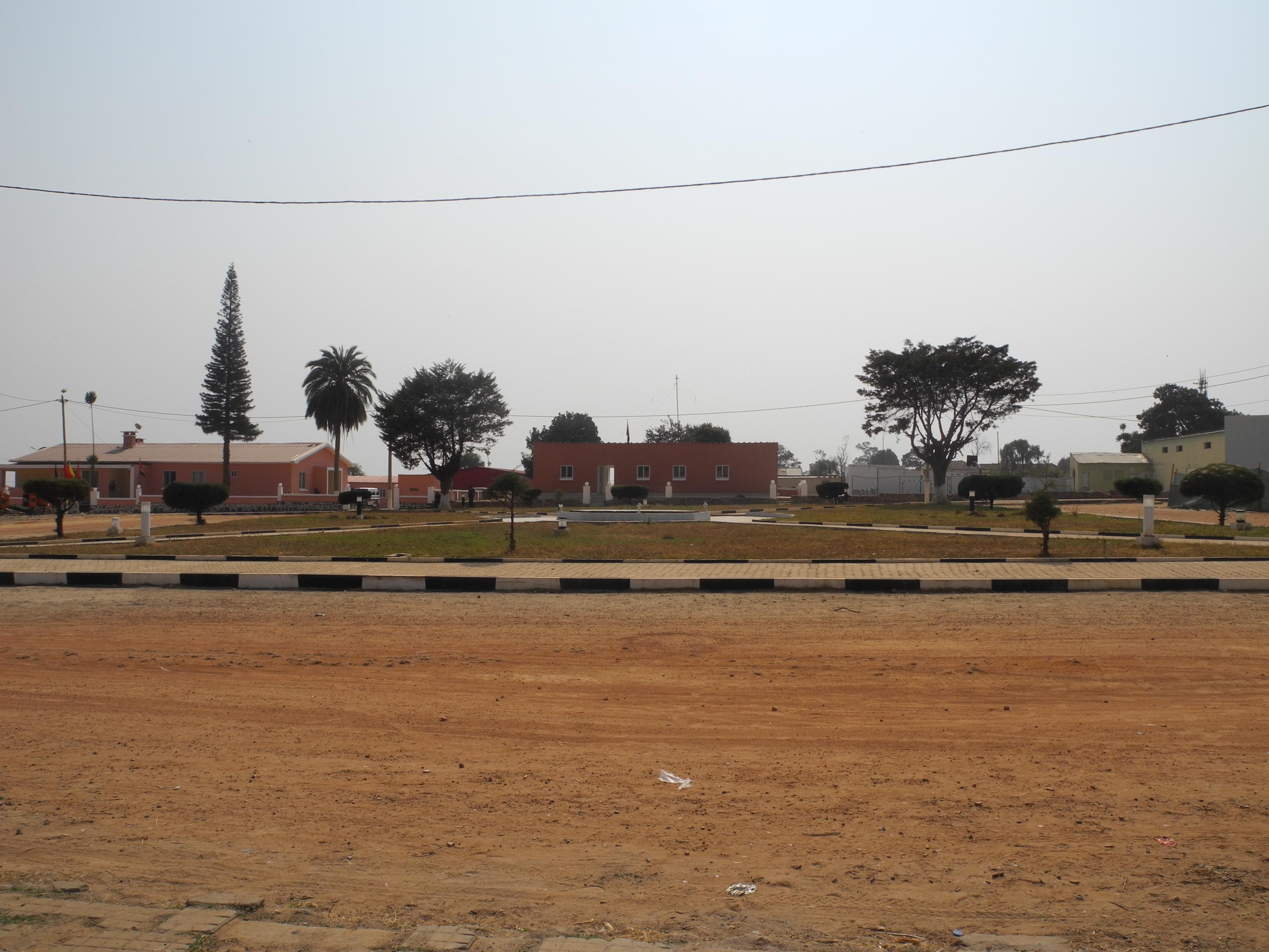 Plano director municipal de n'harea angola DSCN4309